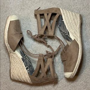 Dolce Vita DV wedge sandals